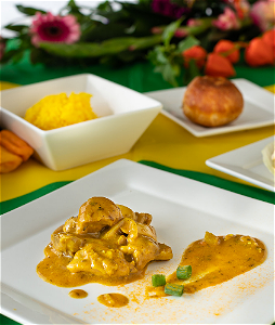 Foto Creamy chicken curry. - Large potion.