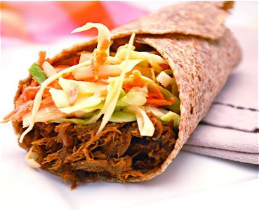 Foto Pulled curry chicken wrap
